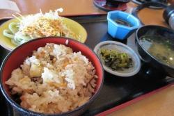 12角島海岸食事.JPG