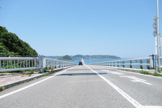 6角島大橋道路.JPG